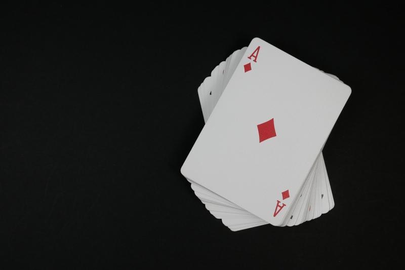 صور تحتوي #الألعاب #لعبة_البوكر #لعبه #كازينو #بطاقة #أجاد #لعب #ألعاب