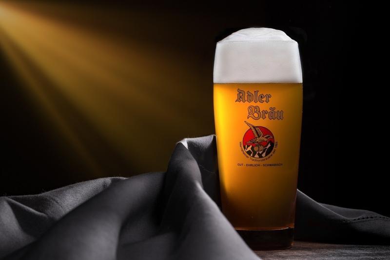 صور تحتوي #بيرة #مصنع_الجعة #رغوة
