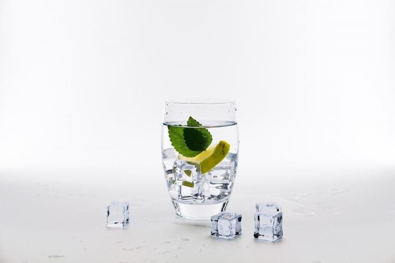 صور تحتوي #من #جير #مرطبات #يشرب #ماء