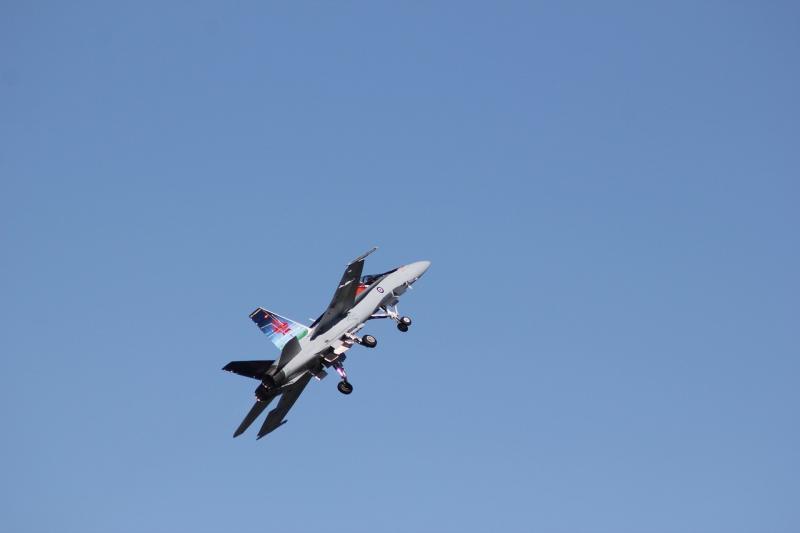 صور تحتوي #سماء #المقاتلين #طيران #الطائرات #أزرق #موكب #قتال