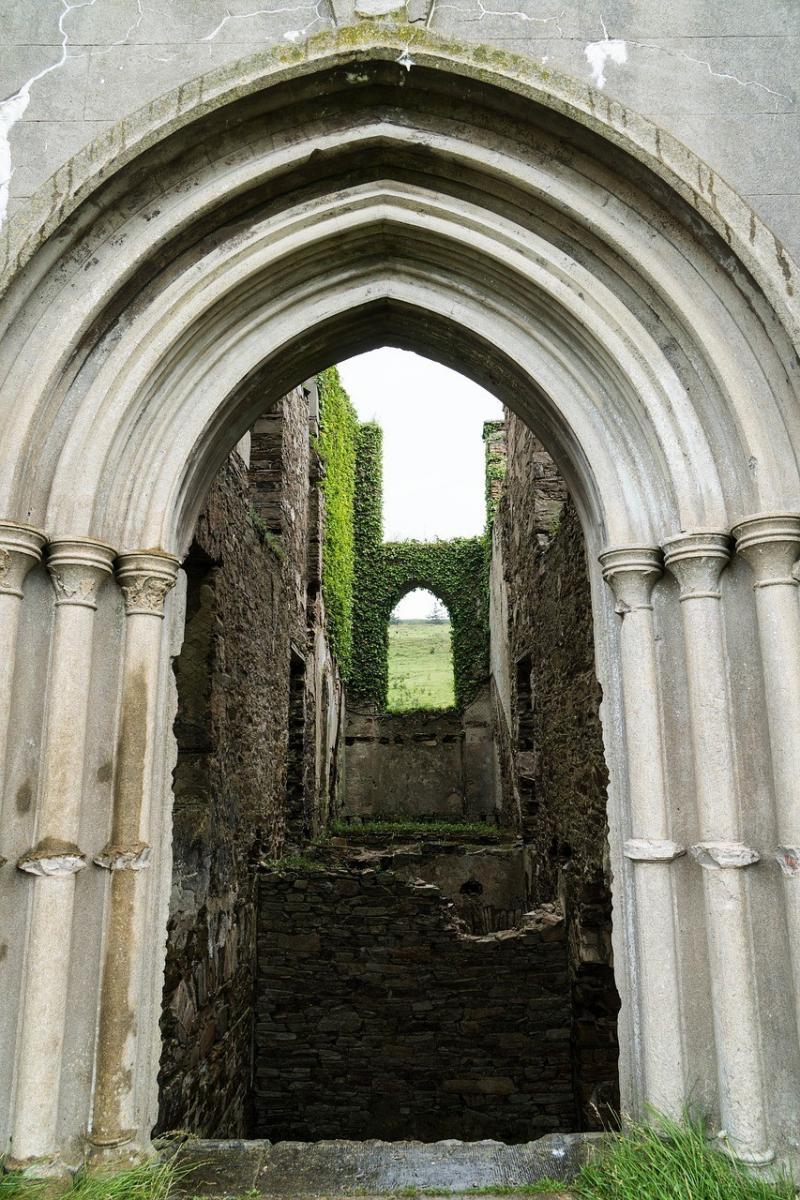 صور تحتوي #العصور_الوسطى #تاريخيا #خراب #قلعة