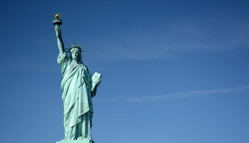 صور تحتوي #أمريكا #نيويورك #نصب_تذكاري #تمثال_الحرية #استعمال