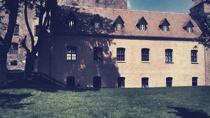 صور تحتوي #قلعة #السياحة #التاريخ #جولة #الحجارة #نصب_تذكاري