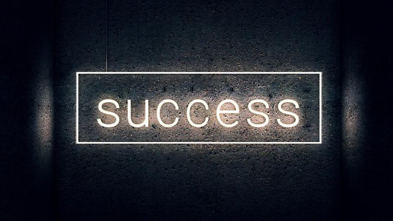 صور تحتوي #طباعة #نجاح #نيون #كتابة