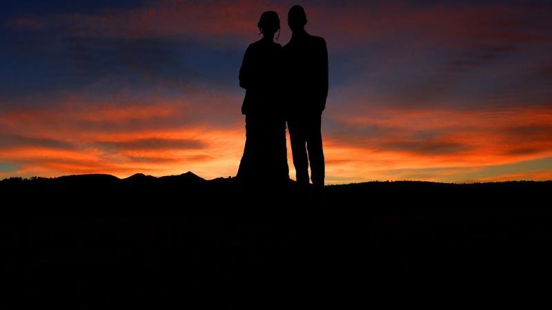 صور تحتوي #غروب_الشمس #حب #زوجان #رومانسي #حفل_زواج #بشري #رومانسي