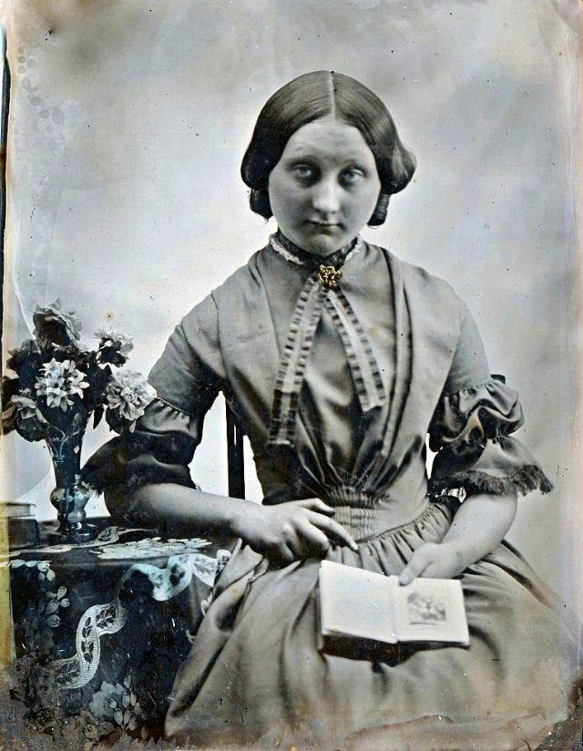 صور فتيات من القرن الثامن عشر #تاريخ - 36