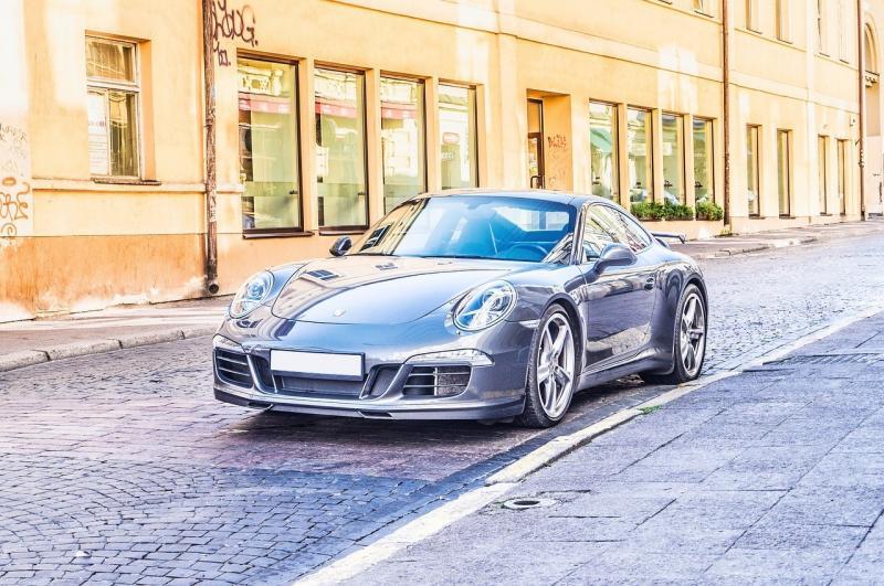 صور لـ #شارع #أزرق #بسرعة #الرياضية #سيارة #سيارة_رياضية #مدينة