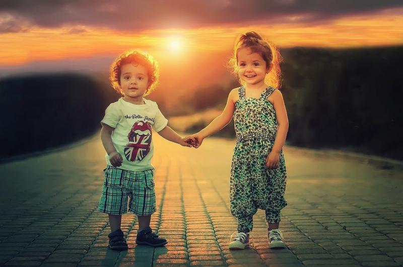 صور تحتوي #الأطفال #حب #طفل #أخوة #أخت #شقيق