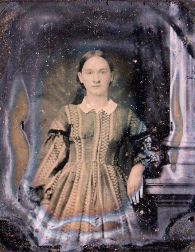صور فتيات من القرن الثامن عشر #تاريخ - 35