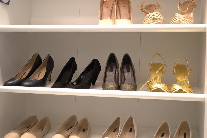 صور تحتوي #فقرة #أنثى #مضخات #حذاء #الموضة #كعب_عالي