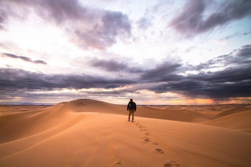 صور لـ #رمل #رجل #السفر #مغامرة #صحراء #اشخاص #وحده