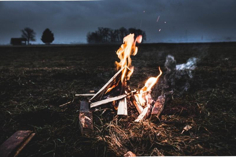 صور لـ #خشب #رماد #الحرارة #مشعل #الأشجار #المعسكر #نار