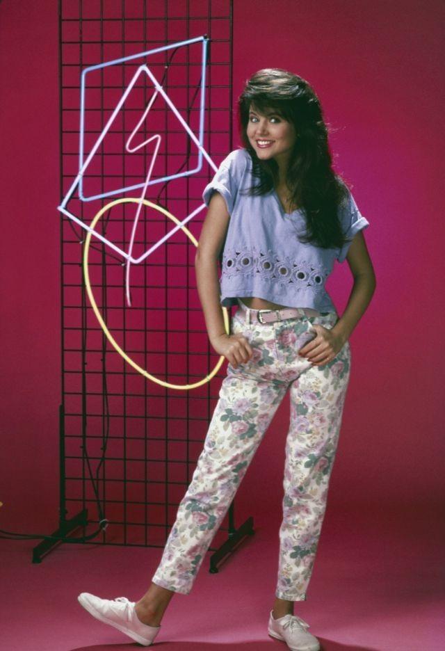 كيف كانت #أزياء #بنات تسعينات القرن الماضي #تاريخ - 11