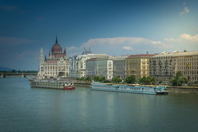 صور تحتوي #بودابست #برلمان #هنغاريا