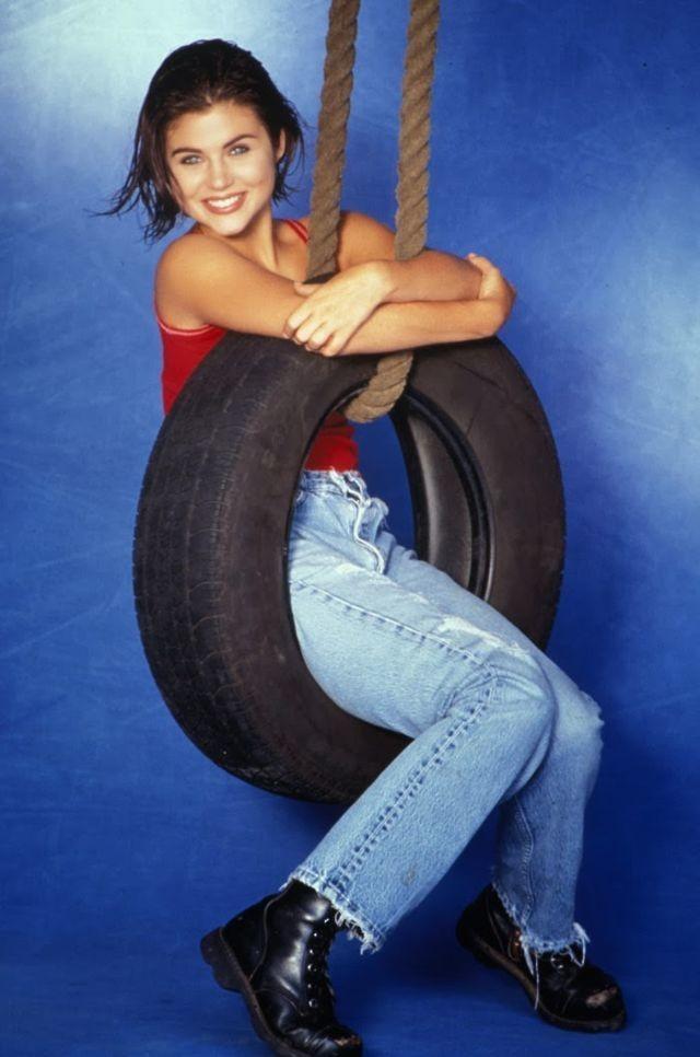 كيف كانت #أزياء #بنات تسعينات القرن الماضي #تاريخ - 21