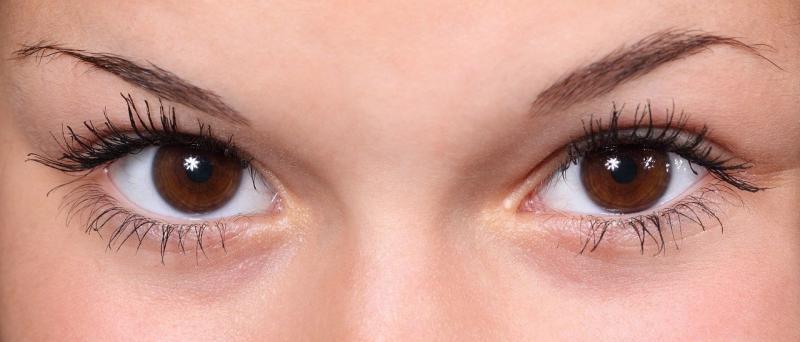 صور تحتوي #صورة قريبة #عين #عيون #الحاجبين #رموش_العين #جميلة