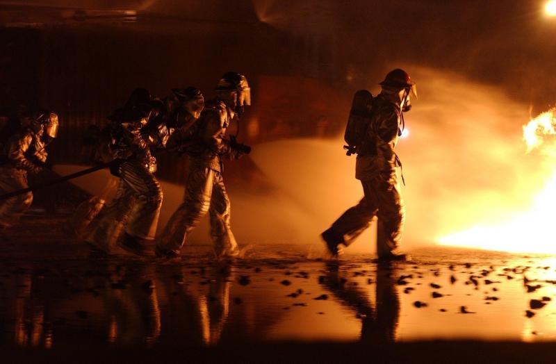 صور لـ #نار #تدريب #حي #خاضع_للسيطرة #رجال_الاطفاء