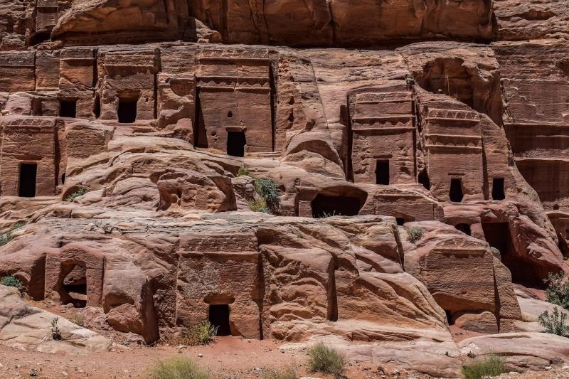 صور لـ #الكهوف #هندسة_معمارية #عتيق #البتراء #نصب_تذكاري #الأردن