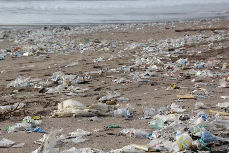 صور تحتوي #المخلفات #التلوث #قمامة #شاطئ_بحر #بيئة