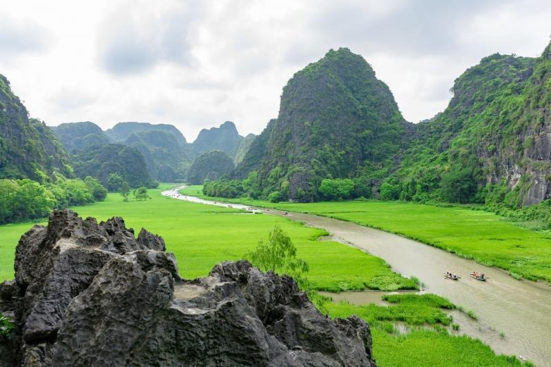 صور تحتوي #جبل #النهر #المناظر_الطبيعيه #صخرة
