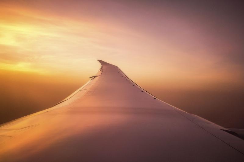 صور لـ #السفر #طائرة #مغامرة #طائرة #غروب_الشمس #سماء #سحاب