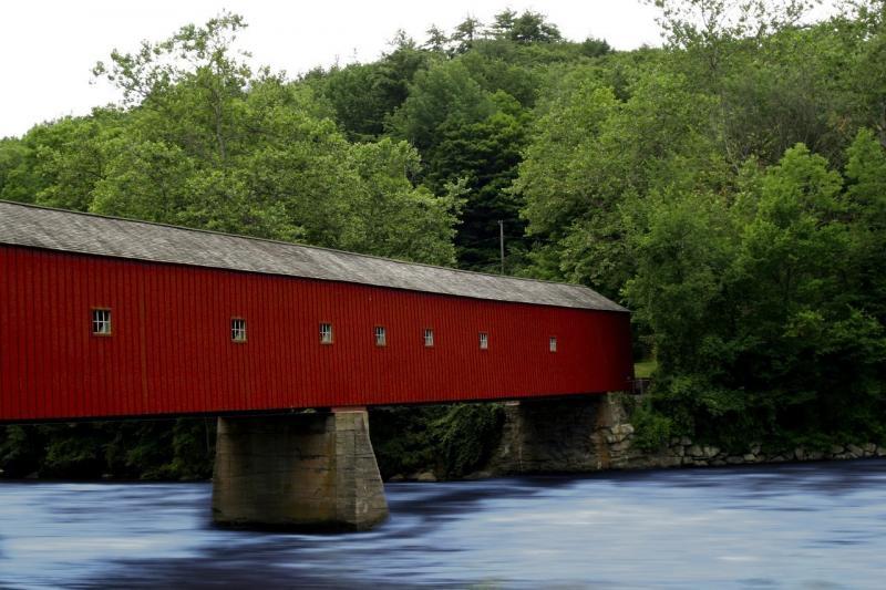 صور لـ #مغطى #كونيتيكت #جديد #جسر #جسر_مغطى