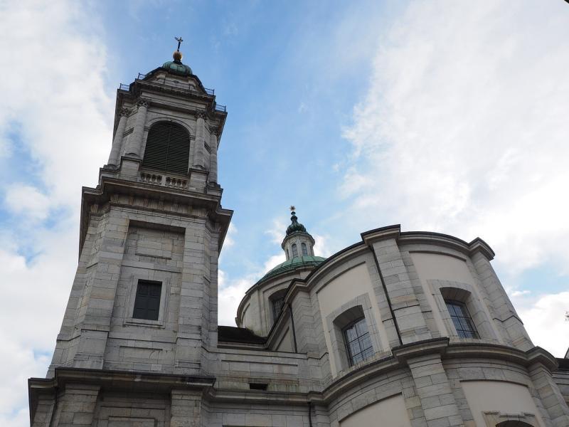 صور تحتوي #سولوتورن #سفينة #كاتدرائية