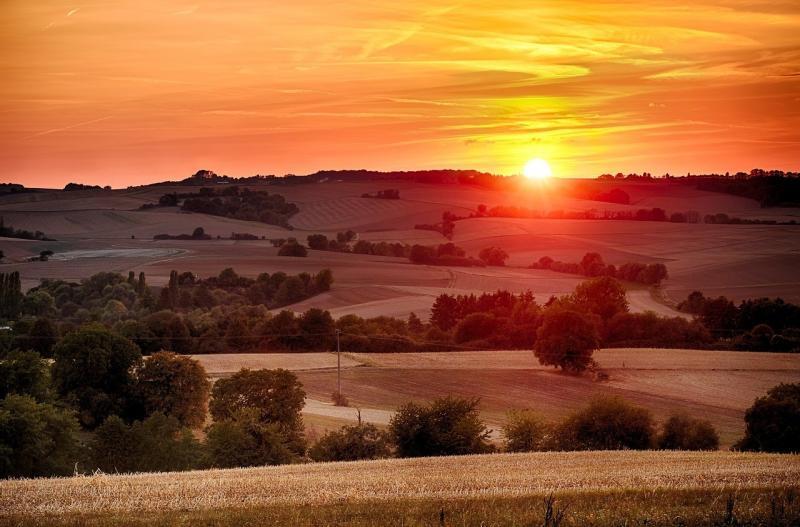 صور تحتوي #الشفق #شمس #مجالات #Morgenrot #مرج #سماء #غروب_الشمس