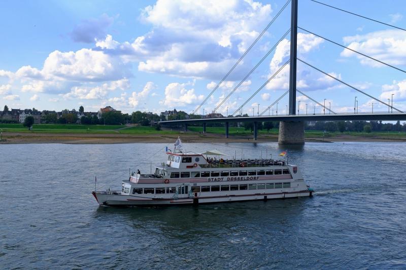 صور لـ #الراين #قارب #دوسلدورف