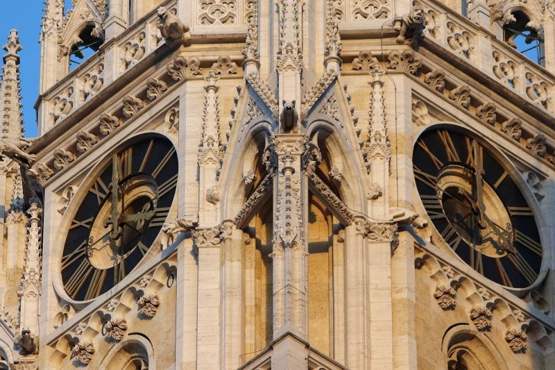 صور تحتوي #التاريخ #الساعات #هندسة_معمارية #زغرب #كاتدرائية