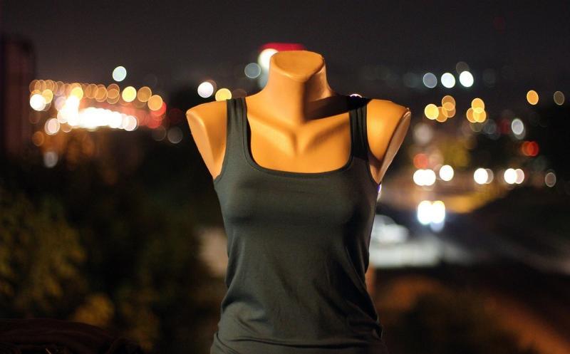 صور تحتوي #غبي #نموذج #موضه #خوخه #فن_الشارع #اضواء_المدينة