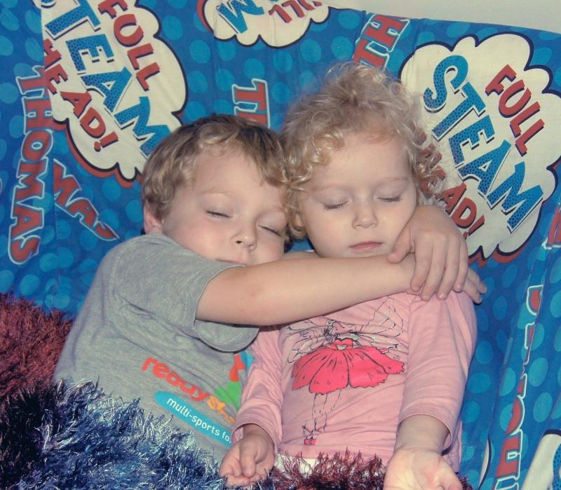 صور لـ #طفل #أخت #أطفال #عائلة #صبي #سعيدة #أخوة