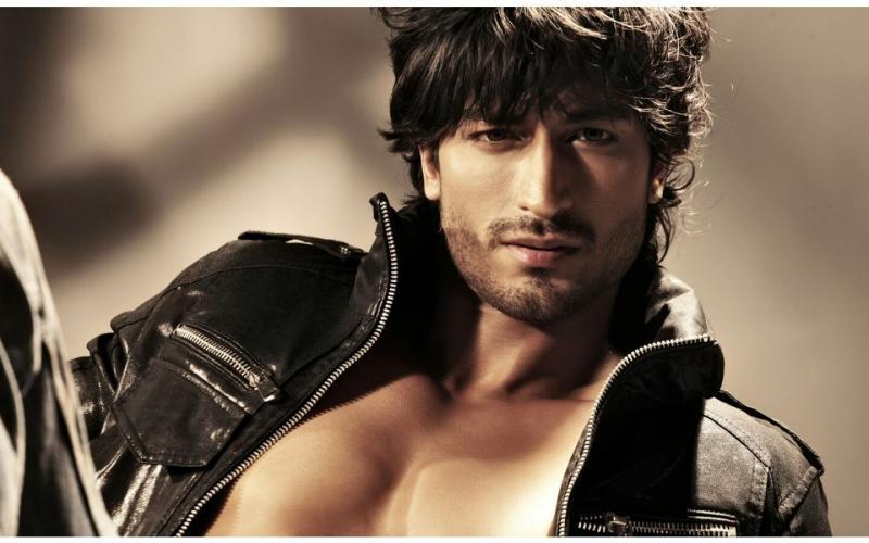 الممثل الهندي #vidyut_jamwal #فيديت_جموال #Bollywood #بوليود #مشاهير - 15