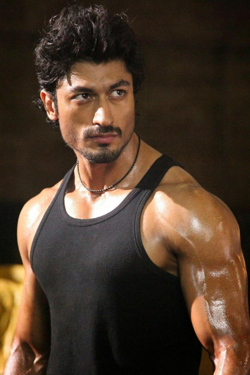 الممثل الهندي #vidyut_jamwal #فيديت_جموال #Bollywood #بوليود #مشاهير - 17