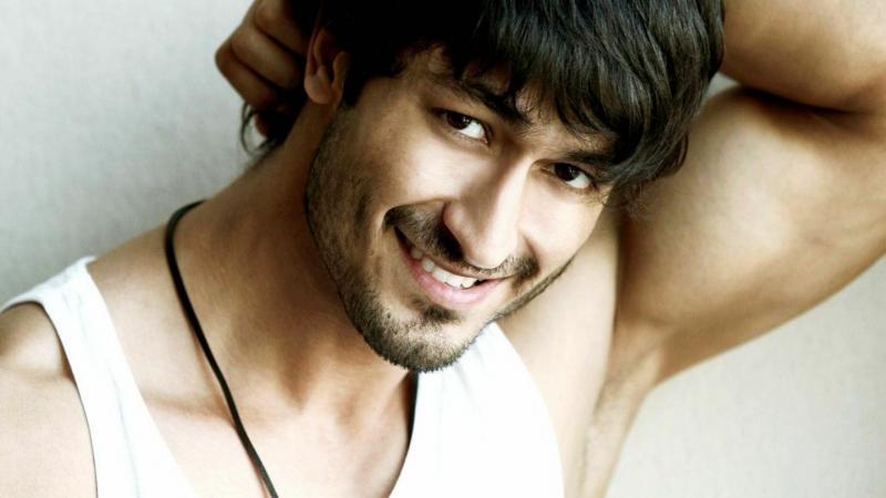 الممثل الهندي #vidyut_jamwal #فيديت_جموال #Bollywood #بوليود #مشاهير - 16